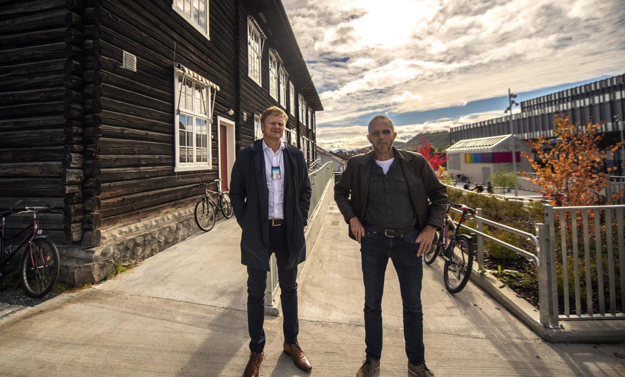Torstein Aakre fra Sparebank1 BV og Vidar Solli fra Kongsberg Innovasjon. Foto: Bjørn Isaksen