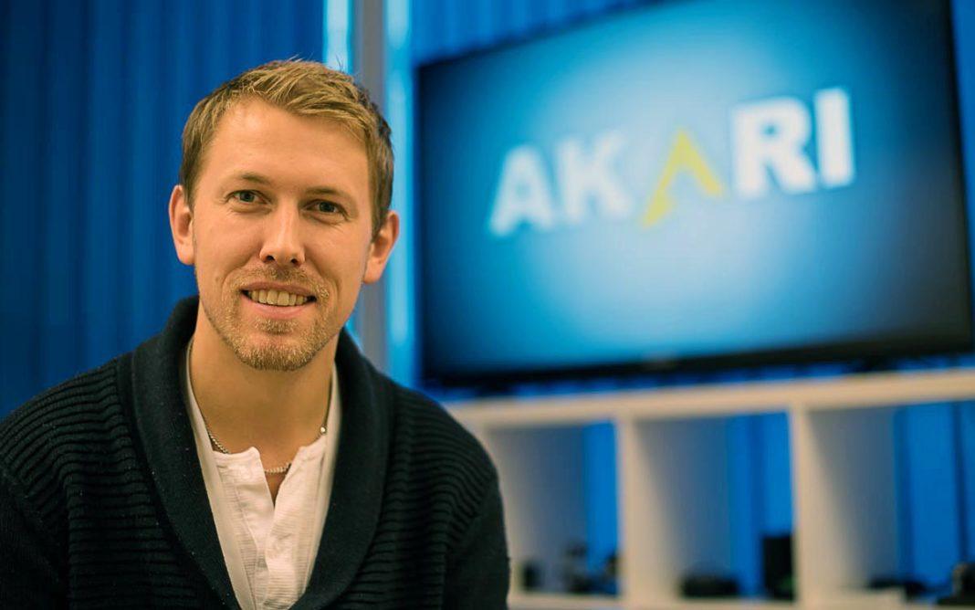 Simen Jahnsen Ljøterud er administrasjonsansvarlig og styreleder i Akari AS. Foto: Magnus Bjørnnes