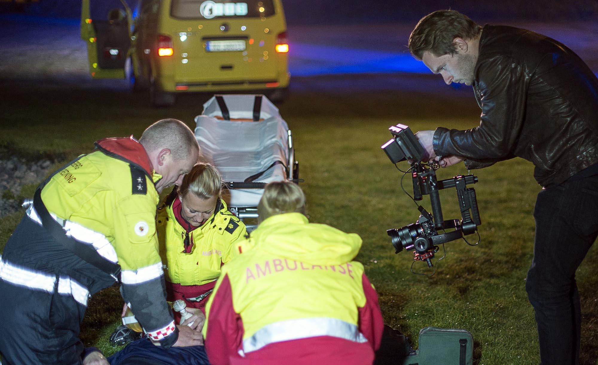 Magnus Bjørnnes i aksjon med opptak for Dykkertjenesten. Foto: Bjørn Isaksen/3600.no
