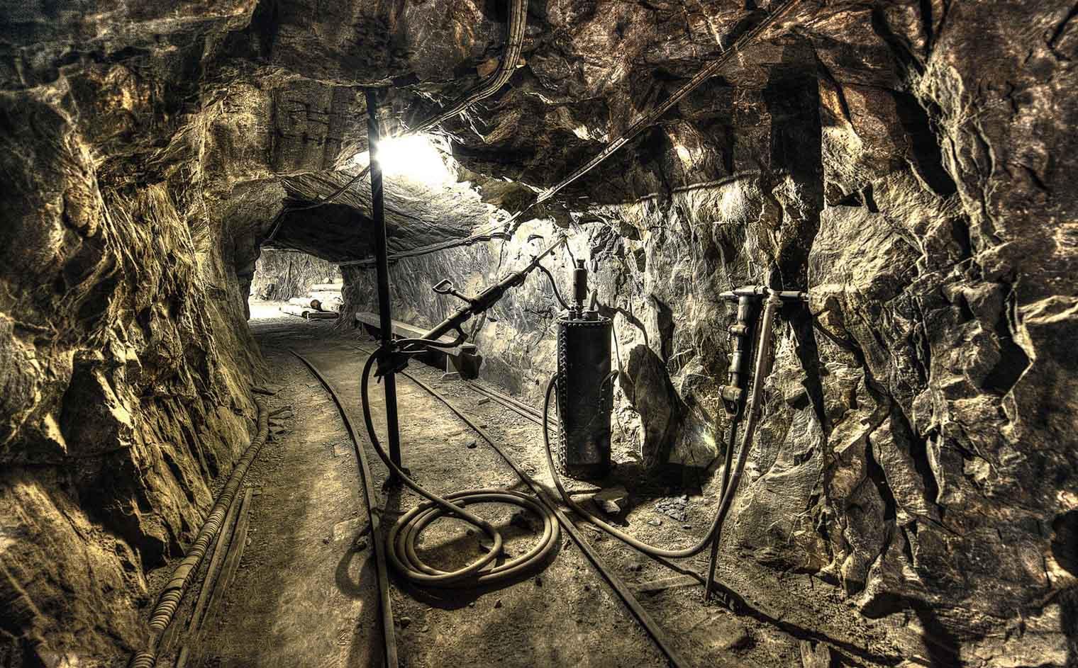 Kongsberg Sølvverk ble lagt ned dette året?