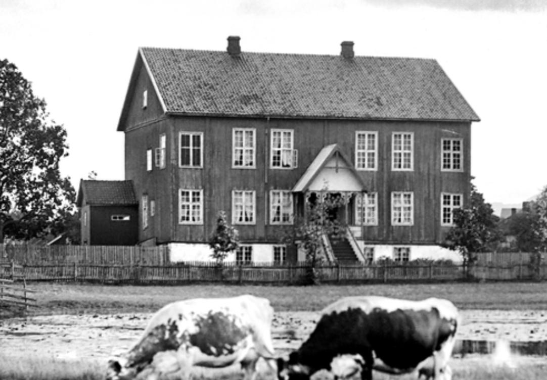 Hvem er kanskje den mest kjente eieren av Dyremyr gård på Kongsberg?